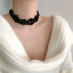 Romantischer schwarzer Kristall gewebte Blumenhalskette Großhandel NHYQ345719