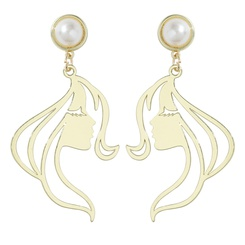 Retro-Legierungsporträt, das goldene Ohrringe überzieht NHJQ345749