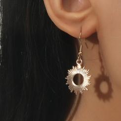 Mode goldene Sonnenblume hohle Ohrringe Großhandel NHDP345771