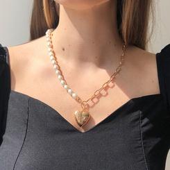 Mode Perlenkette asymmetrische Nähte Herzform Legierung Halskette Großhandel NHMD345781