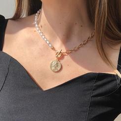 Mode geometrische Imitation Perlenkette Porträt Legierung Halskette Großhandel NHMD345786
