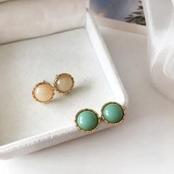 Einfache kleine runde Opalharz-Ohrringe NHBY345897