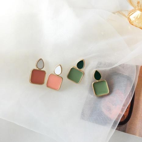 Boucles d'oreilles créatives géométriques petites gouttes carrées de couleur contrastante à l'huile NHBY345900's discount tags