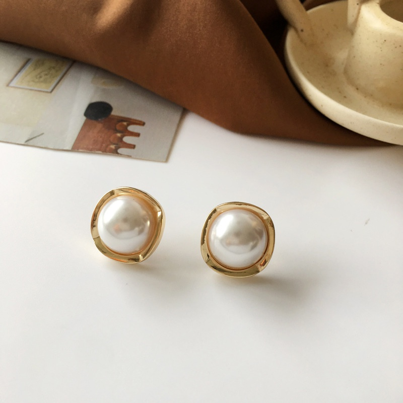 Fashion Square Pearl Alloy Earrings Wholesale NHBY345908