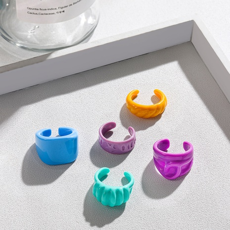 anillo de acrílico de color caramelo geométrico simple NHLL346194's discount tags