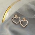 NHWB1609160-Heart-shaped-ear-clips