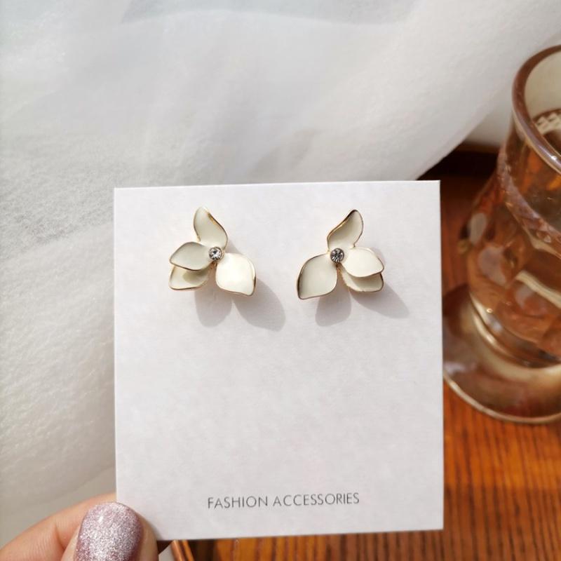 Simple Pure White Threedimensional Oil Drop Petal Stud Earrings NHBQ365406