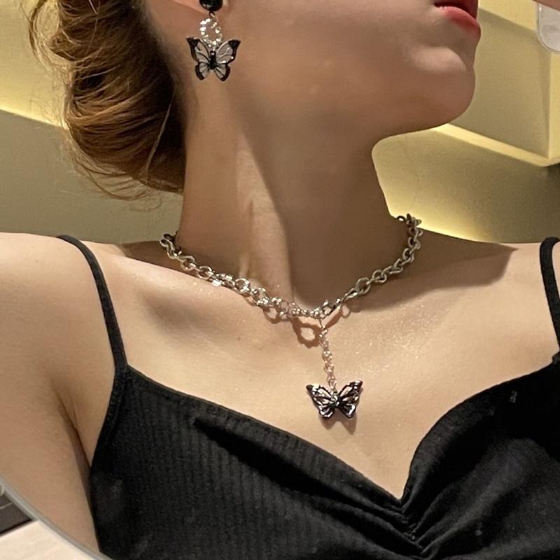 collier pendentif papillon simple  la mode NHANR365759