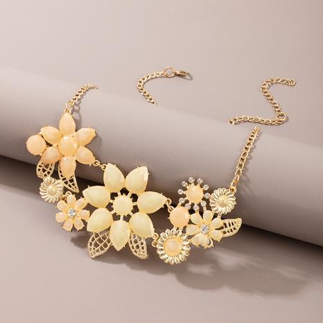 Nouveau collier de fleurs creuses jaunes à la mode NHGY366476's discount tags