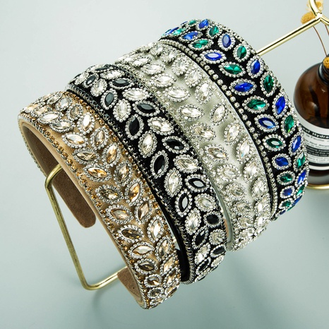 Diadema de mujer con borde ancho de tela con incrustaciones de diamantes NHLN366261's discount tags