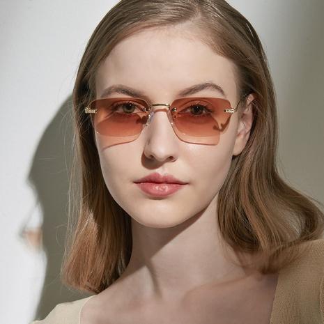 Gafas de sol pequeñas cuadradas sin marco de metal retro NHXU366348's discount tags