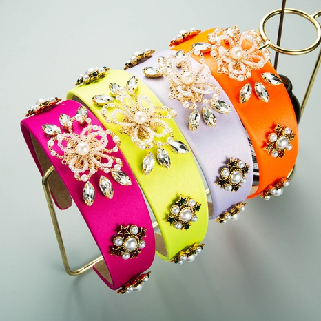 diadema de tela de flor de perla de aleación geométrica simple retro NHLN367428's discount tags