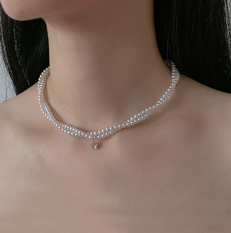 Simple Winding Pearl Crystal Short Necklace NHNT367808