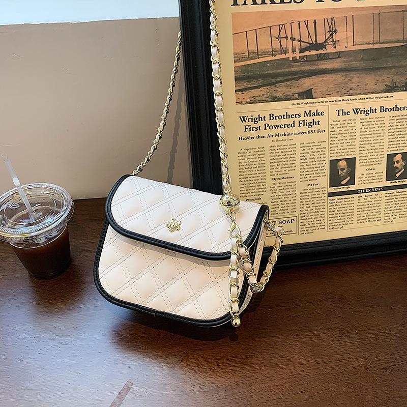 retro textured rhombus shoulder chain messenger bag NHJZ367966