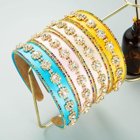 Diadema barroca retro de ala ancha con cadena con incrustaciones de diamantes NHLN368635's discount tags