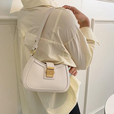 fashion metal botton one-shoulder armpit bag NHJZ369039's discount tags