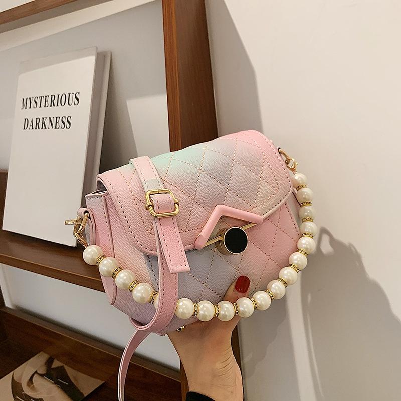 simple rhombus embossed chain pearl handle messenger bag NHTG369822