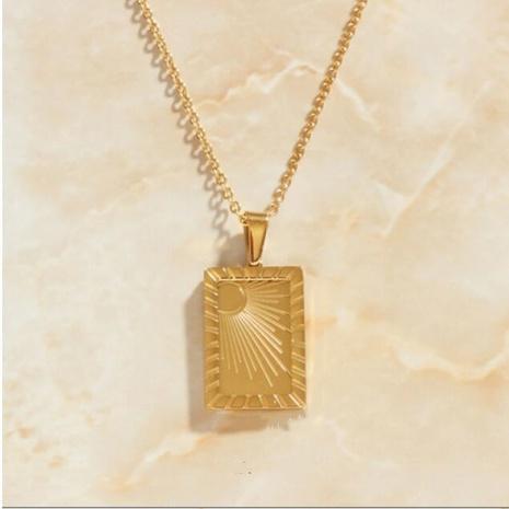 Collar con colgante cuadrado radial tallado en forma de luna y sol NHAB370119's discount tags