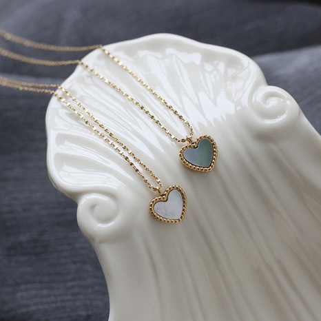 Collar de acero de titanio de concha blanca gris corazón simple NHGC371406's discount tags