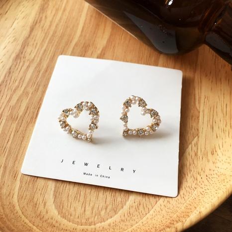 boucles d'oreilles en forme de coeur en forme de coeur et diamants simples NHBY372624's discount tags