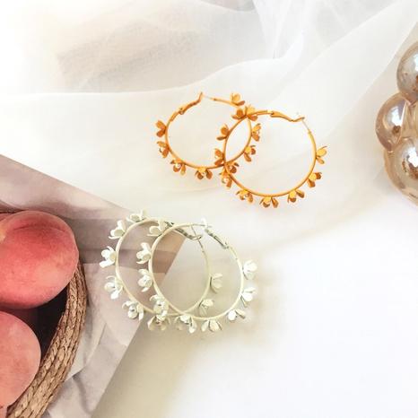 Boucles d'oreilles grand cercle givré fleur de style coréen NHBY372642's discount tags