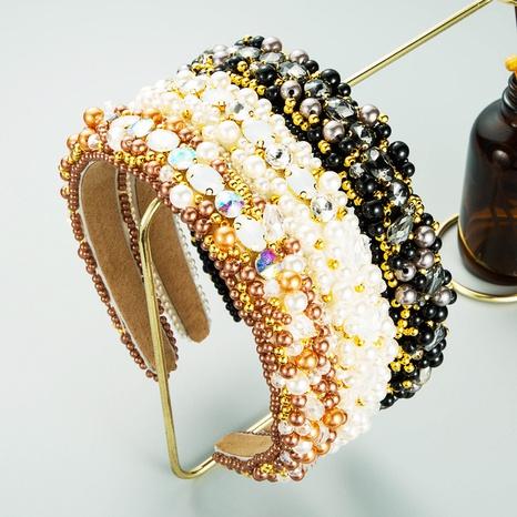 Diadema cosida a mano con diamantes de tela sinuosa de perlas de estilo barroco NHLN373001's discount tags