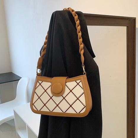 fashion lingge chain portable one-shoulder messenger bag wholesale NHJZ374228's discount tags