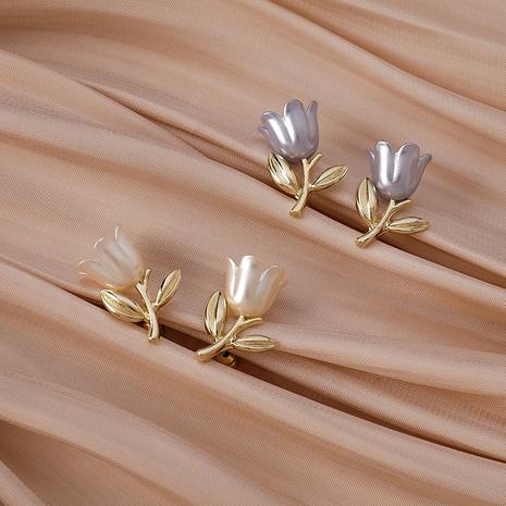 Boucles d'oreilles branche de fleur tridimensionnelle perle tulipe rétro NHMS361159's discount tags