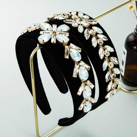 Mode Wassertropfenförmiges Glasbohrer Blumenstirnband NHLN361198's discount tags