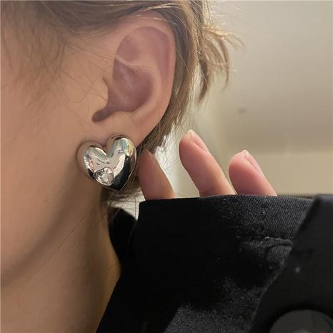 boucles d'oreilles en diamant coeur de pêche en métal simple rétro NHYQ361306's discount tags
