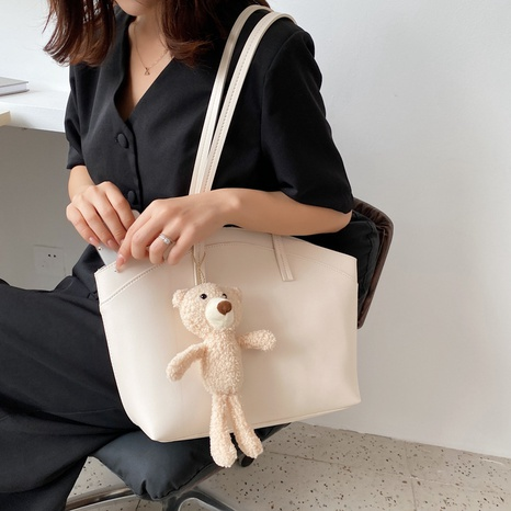 wholesale accessories doll pendnat large-capacity tote bag Nihaojewelry NHLH375793's discount tags