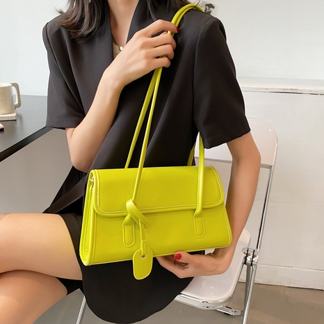 Nihaojewelry wholesale accessories new solid color underarm bag  NHTG375906's discount tags