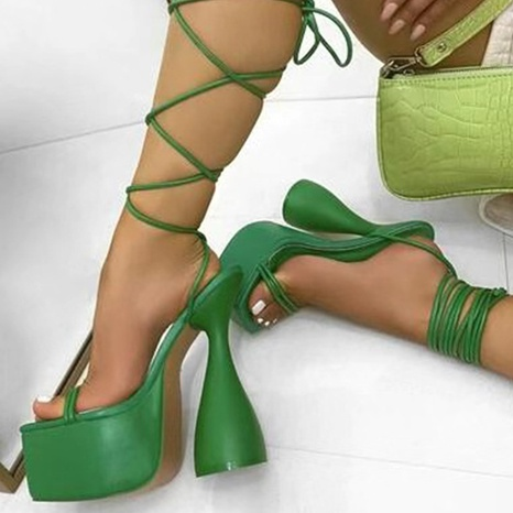 wholesale Rome shaped high-heeled cross strap sandals Nihaojewelry NHSO376169's discount tags