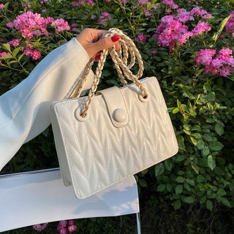 sac à bandoulière à plis en fil brodé à la mode NHJZ362849's discount tags