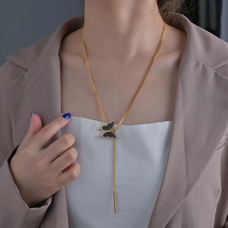 Collier pompon pendentif papillon fantaisie NHHF363489's discount tags