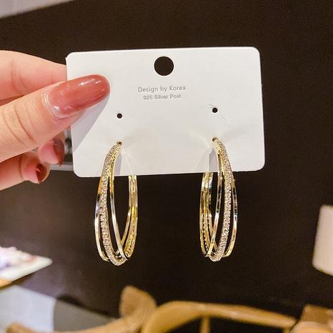 Al por mayor joyas aro de oreja de tres anillos con diamantes completos Nihaojewelry NHPA376383's discount tags