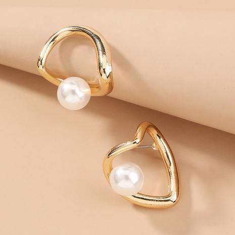 nihaojewelry pendientes de perlas de corazón hueco retro simple joyería al por mayor NHAN376740's discount tags