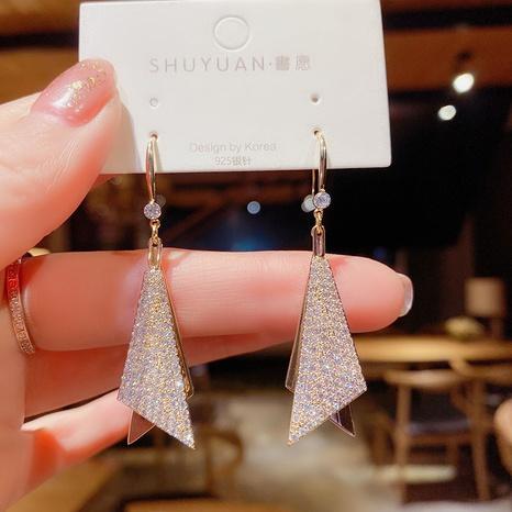 Nihaojewelry joyas al por mayor pendientes geométricos de triángulo de diamante completo simple NHOT378769's discount tags