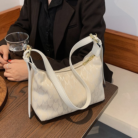 Nihaojewelry Korean style letter chain shoulder diagonal underarm bag wholesale NHJZ382127's discount tags