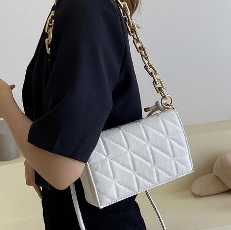 Nihaojewelry Korean style lattice thick chain single shoulder underarm handbag wholesale NHLH382378's discount tags