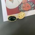 NHOM1777299-Green-oval-ear-clip