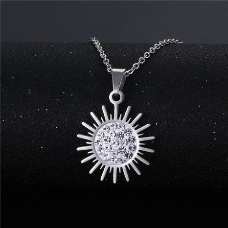 wholesale bijoux simple fleur de soleil incrusté pendentif diamood collier en acier inoxydable nihaojewelry NHAC383141's discount tags