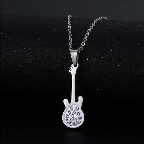 wholesale bijoux rétro violon incrusté diamant pendentif collier en acier inoxydable nihaojewelry NHAC383145's discount tags