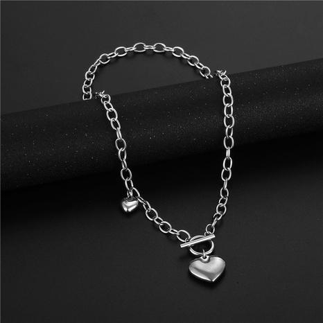 wholesale bijoux rétro pendentif en forme de coeur boucle OT collier en acier inoxydable nihaojewelry NHAC383148's discount tags