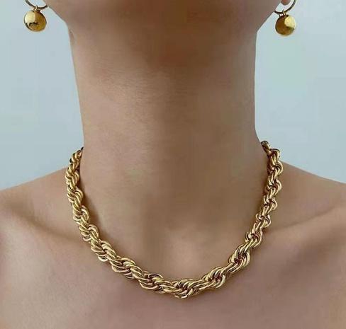 Vente en gros bijoux collier en acier au titane à torsion grossière nihaojewelry NHAB384691's discount tags