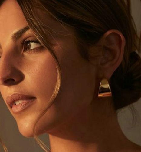 vente en gros bijoux lisses larges boucles d'oreilles exagérées en acier inoxydable en forme de C Nihaojewelry NHJIE384715's discount tags