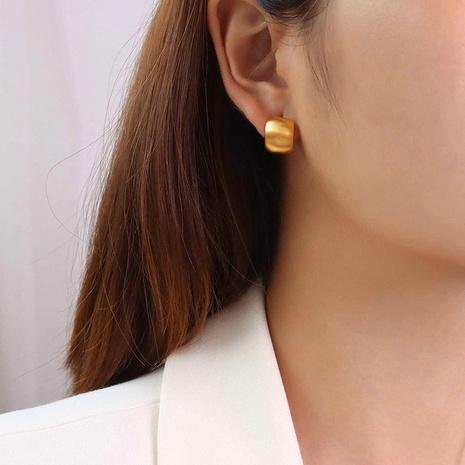 vente en gros bijoux boucles d'oreilles mode en acier inoxydable en forme de C Nihaojewelry NHJIE385169's discount tags