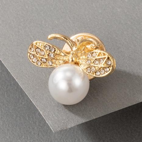 Nihaojewelry Großhandel Schmuck Koreanische goldene große Perlenbienenbroschebro NHGY387111's discount tags