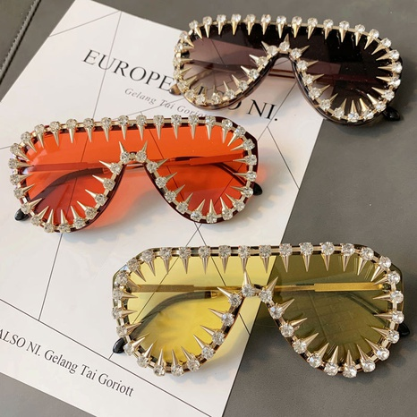 wholesale large frame rivets one-piece lens sunglasses nihaojewelry  NHMSG385848's discount tags