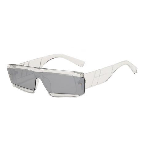 Vente en gros lunettes de soleil monobloc à monture irrégulière de couleur bonbon nihaojewelry NHMSG385852's discount tags